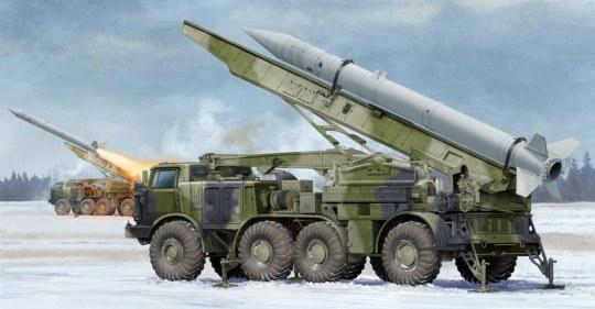 Trumpeter - Russian 9P113 TEL w/9M21 Rocket of 9K52 Luna-M Short-range artillery rocket