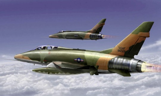 Trumpeter - F-100F Super Sabre