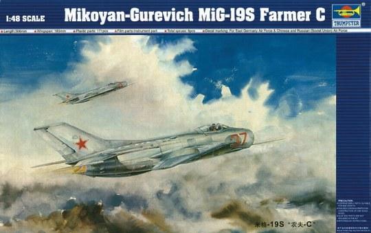 Trumpeter - MiG-19 S Farmer C