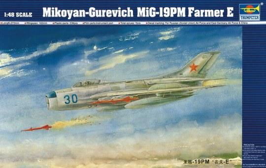 Trumpeter - MiG-19 PM Farmer E