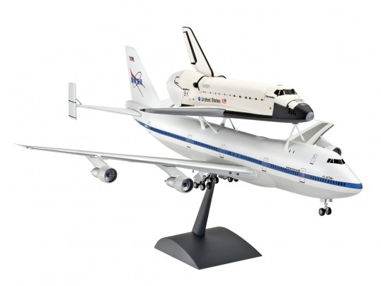 Space Shuttle & Boing 747